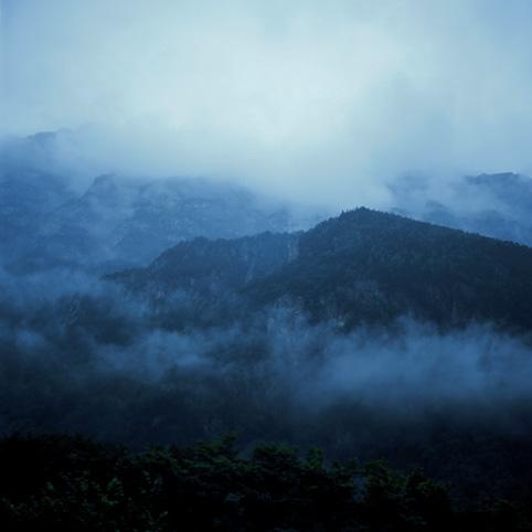 Fog #4, color print, 126x126cm, 2003
