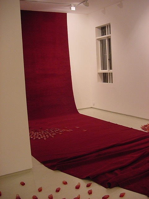 (ME) CALLING, Installation view, Noga Gallery of Contemporary Art, 2004