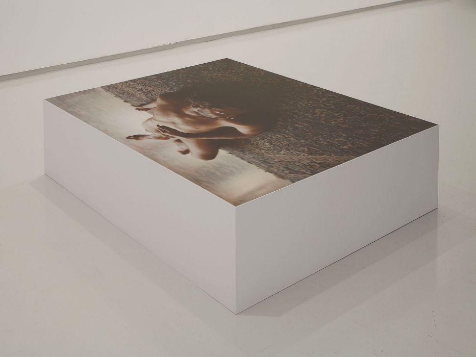 Distance, C-print, wooden Box, 100x104x35cm, 2008