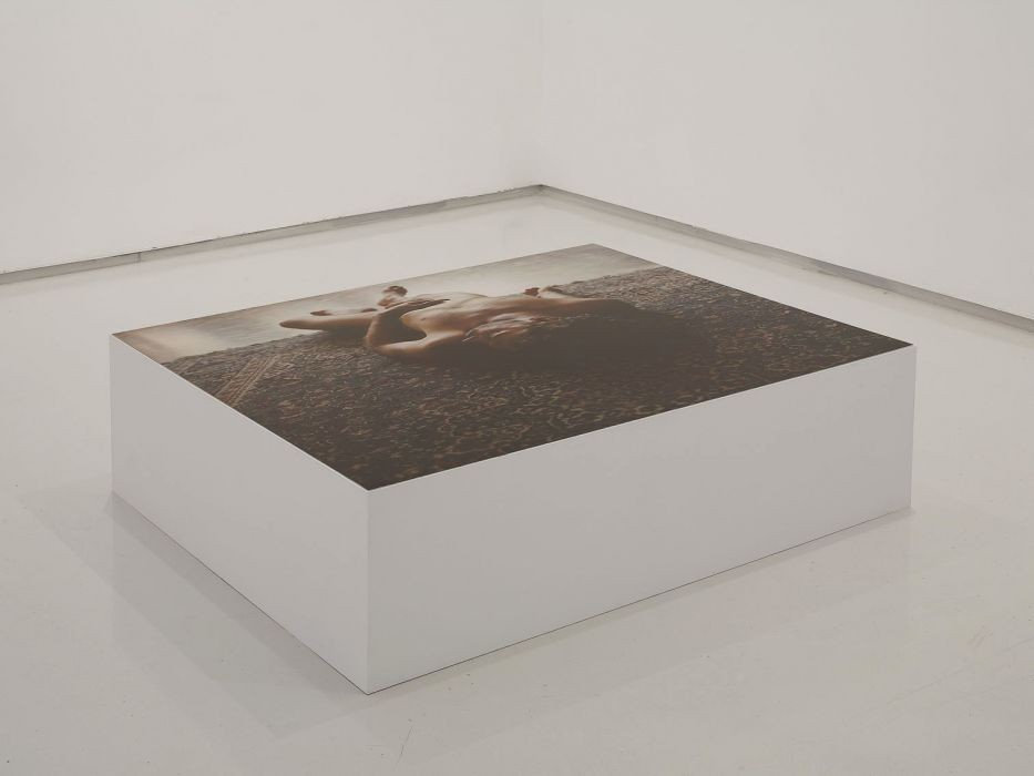 Distance, C-print, wooden Box, 100x104x35cm, 2008