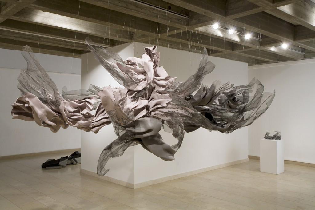 Lea Avital, Offering, Metal net, oil paint, 350X200cm, 2007