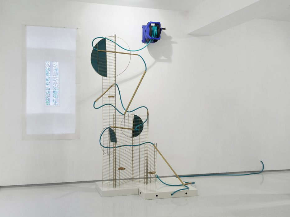 Hilla Toony Navok, A Hose, 2013, Mixed Media, 320x220x120cm